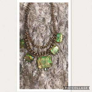 Jewelry - NWT Gorgeous Statement Necklace🌺